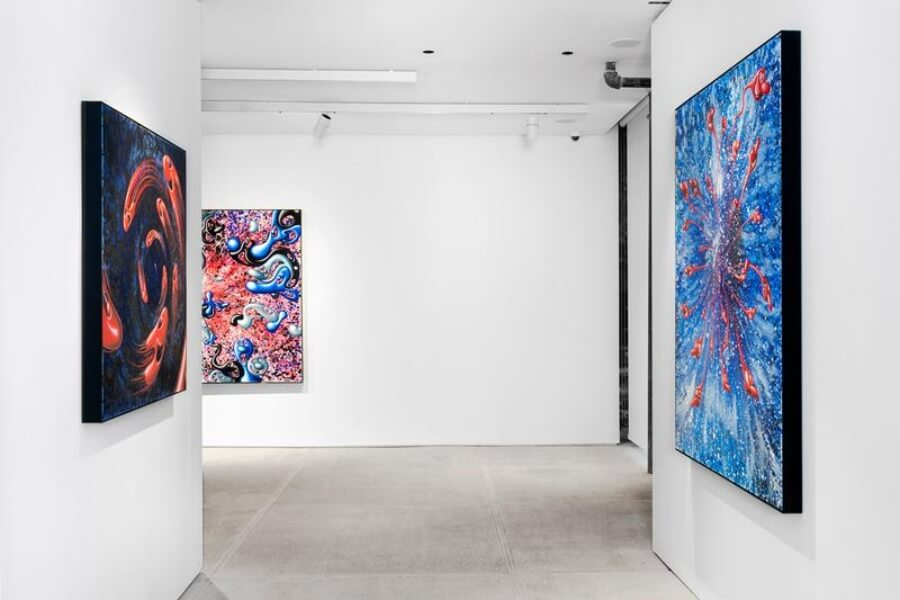 "exposición ""Blue Blood"" de Kenny Scharf  en TOTAH de Nueva York"
