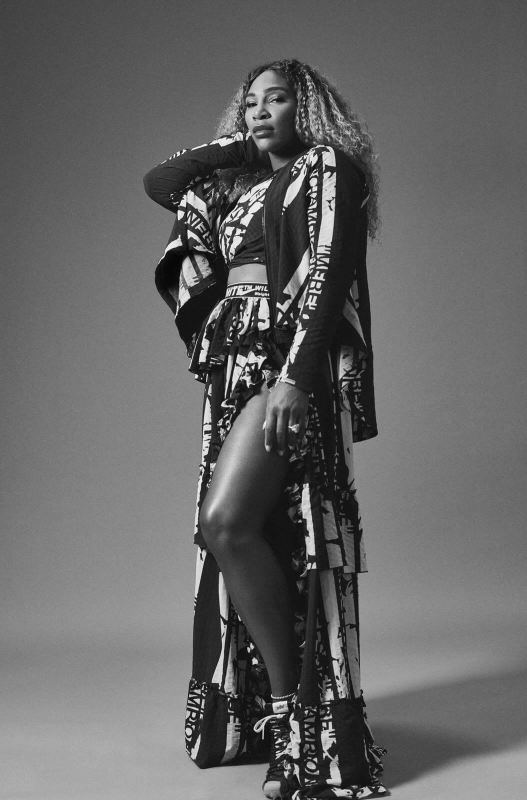 Modelo de la colección con Nike y Virgil Abloh