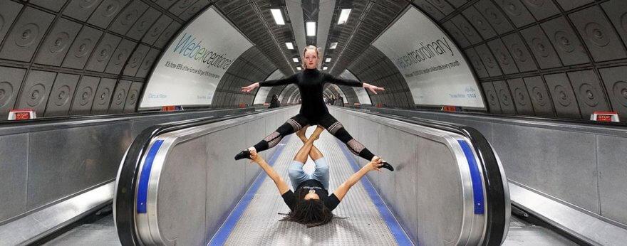 Tube Mapper, acroyoga en el metro de Londres
