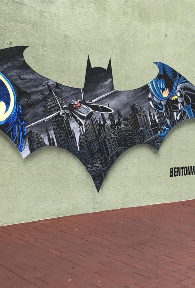 Batman es homenajeado con graffittis en Seattle
