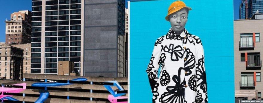 Amy Sherald estrena mural en Filadelfia