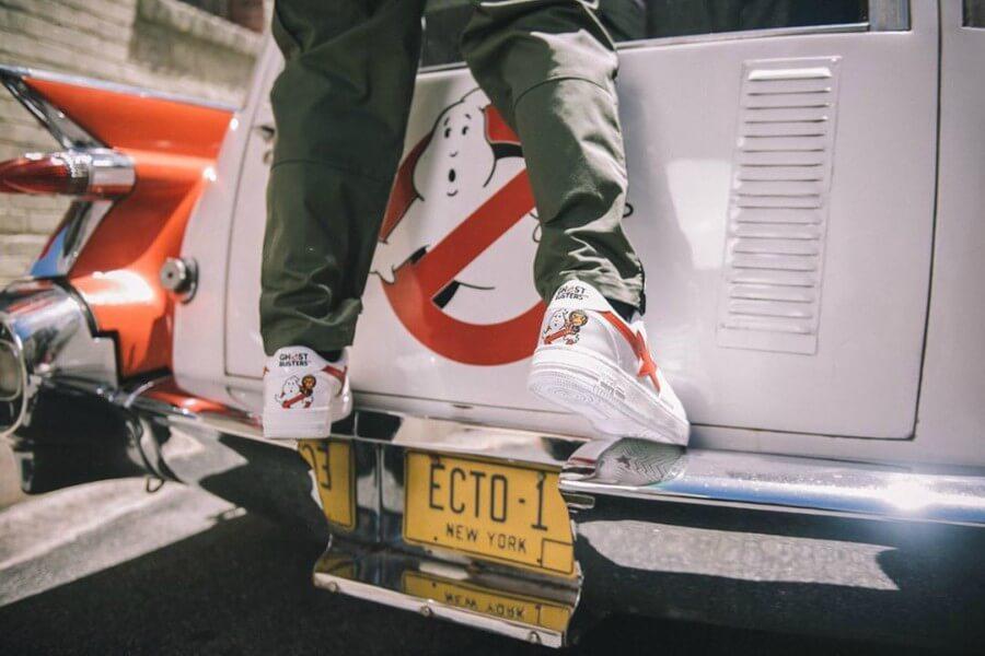 foto del lookbook de sneakers de Cazafantasmas