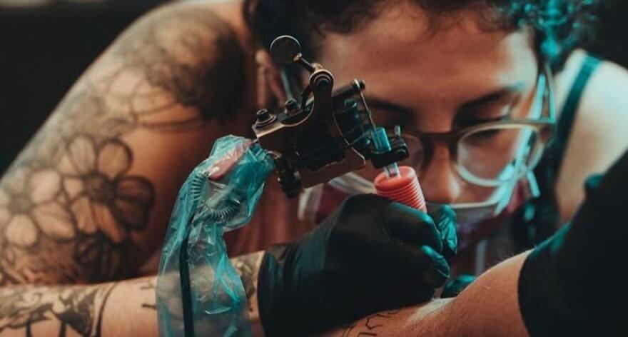 Sinergia: sesiones de flash tattoos hechos por mujeres