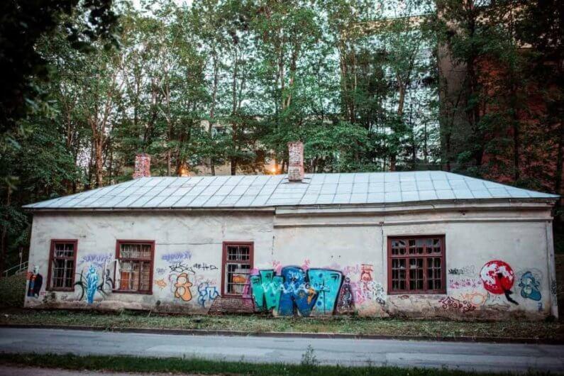 Foto de los muros intervenidos en Estonia
