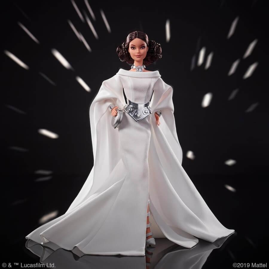 Barbie presenta su nueva colección de muñecas