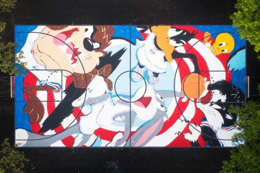 Evan Rossell y Dee Rosse y su mural 'Tune Squad'