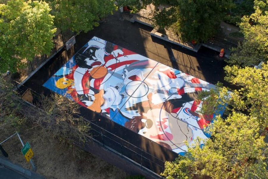 Tune Squad mural
