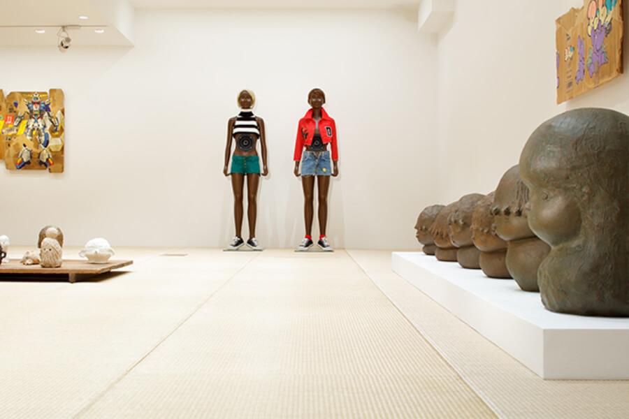 exposición curada por Takashi Murakami en la Kaikai Kiki Gallery