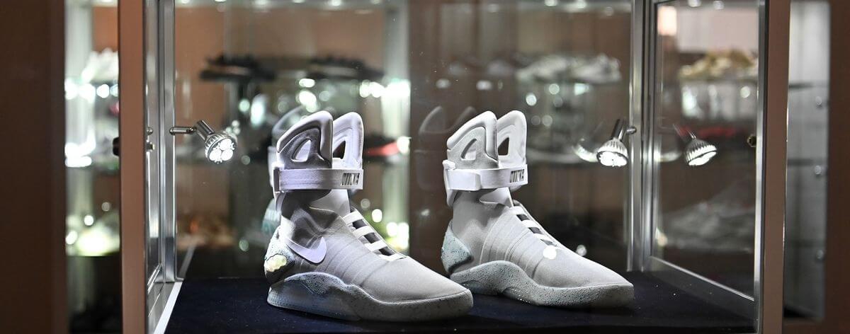 Subasta de sneakers llega a más de 850 mil dólares