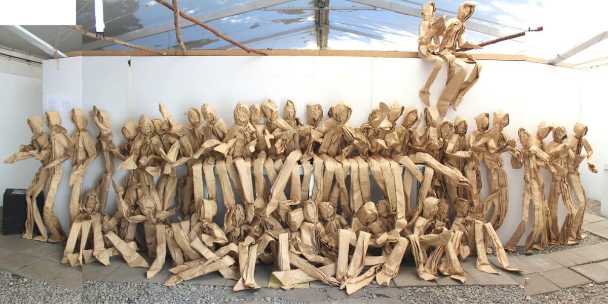 instalaciones de origami por Claudio Acuña en Chile