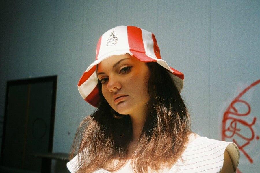 Sombrero de cubo KFC