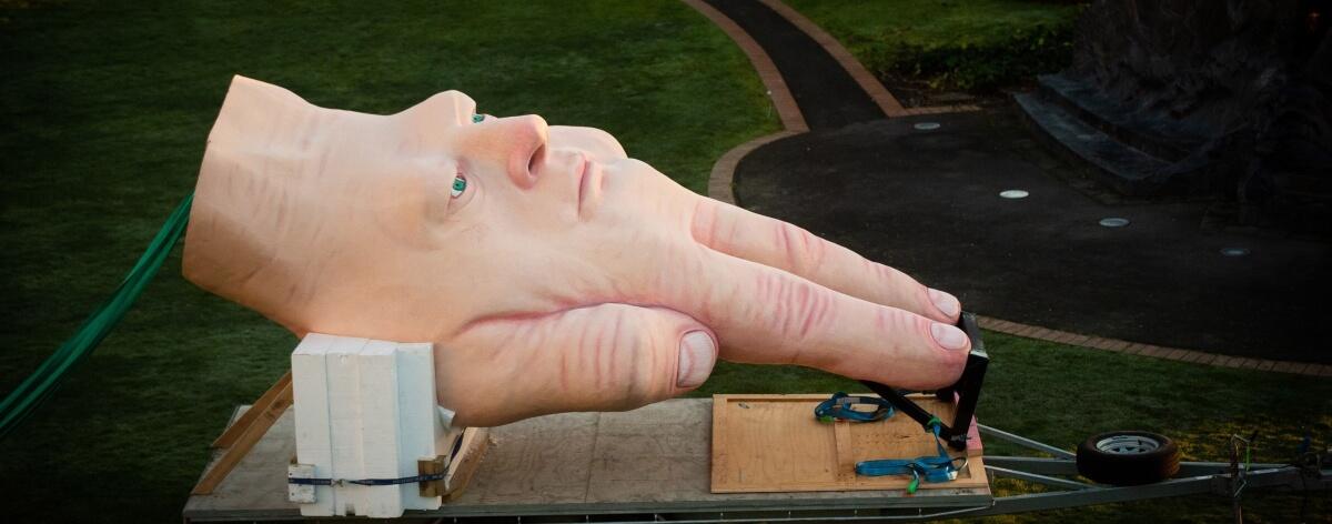 Escultura en Nueva Zelanda atemoriza a la gente