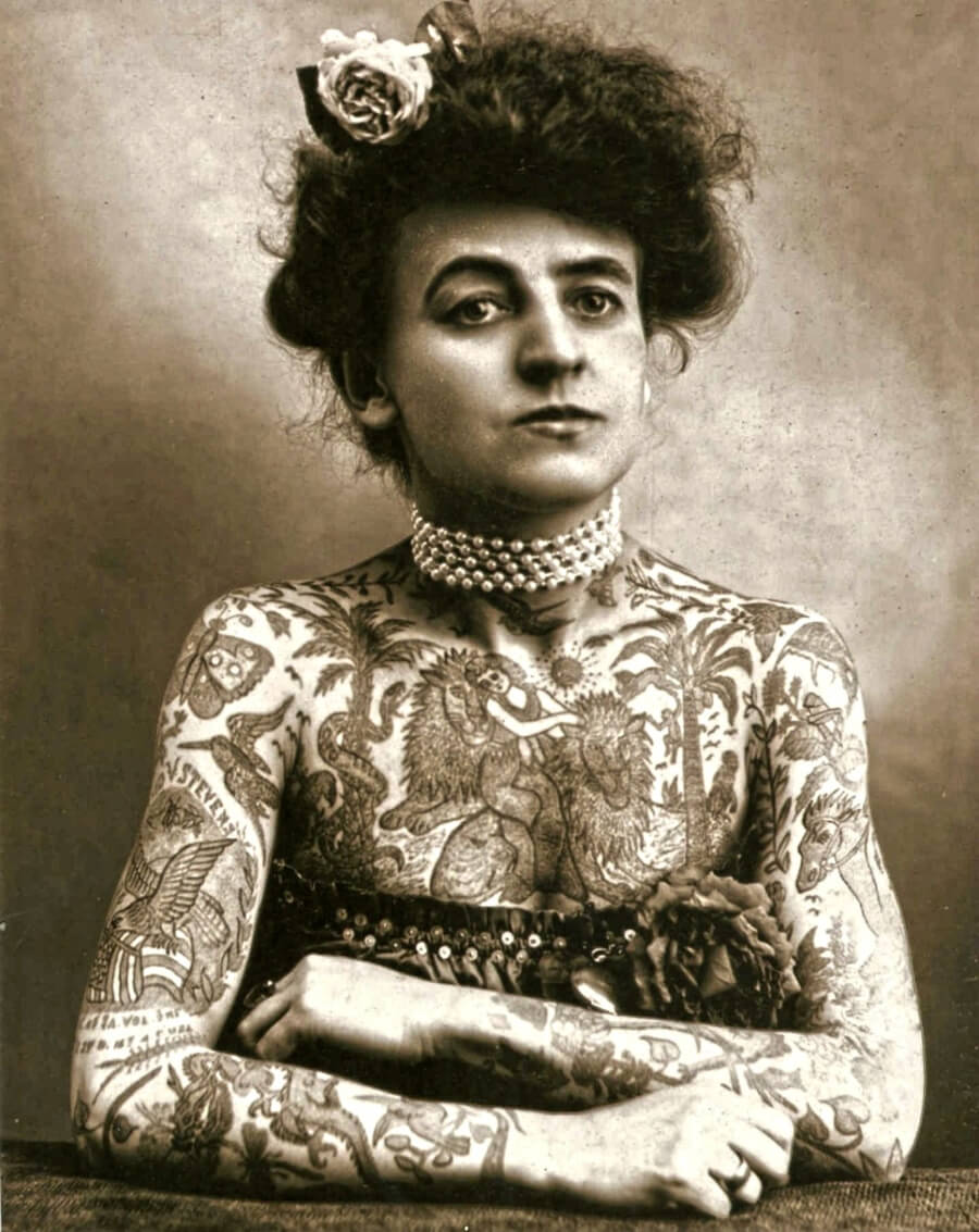 La primera mujer tatuadora de la historia