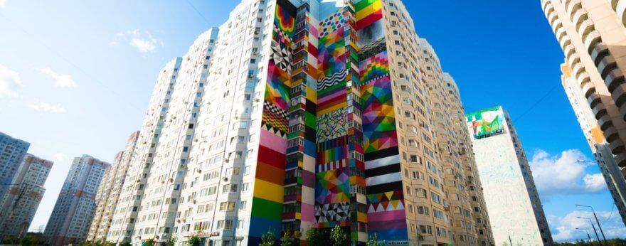 Okuda presenta nuevo mural en Rusia