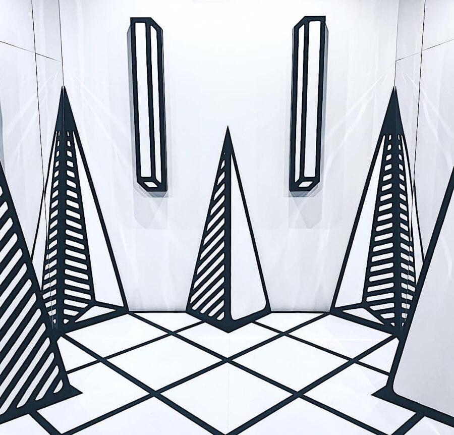 Joshua Vides en la exposición de RG Gallery