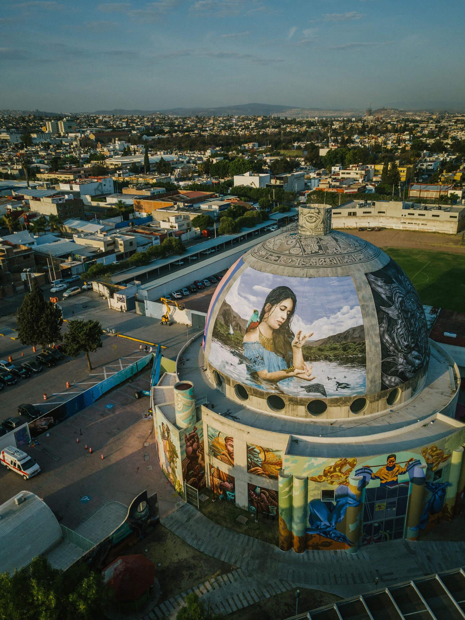 mural El baile del agua de Mantra en Querétaro