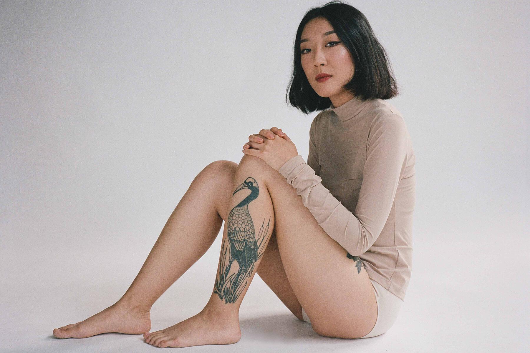 fotografía de Annie, tatuada por Paul Stillen en Documenting the Body