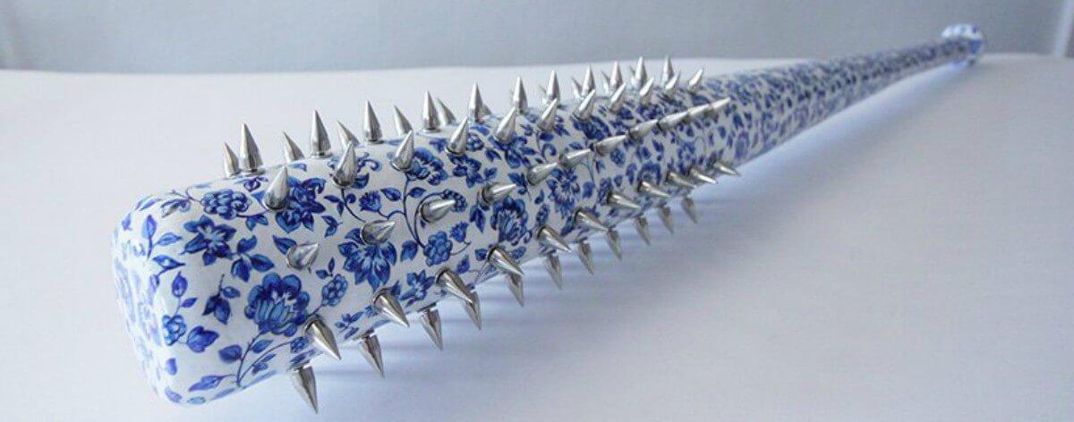 Helena Hauss reivindica la cerámica con armas y arte