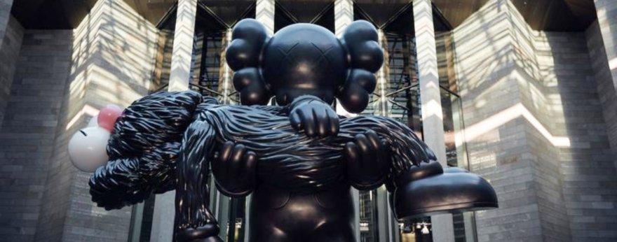 Kaws regresó a Melbourne con nueva exposición