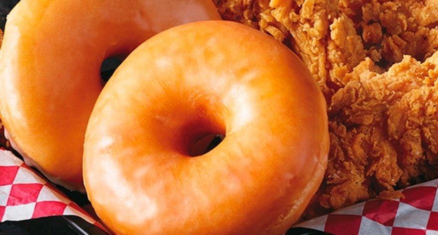 KFC venderá sandwiches de pollo en donas glaseadas