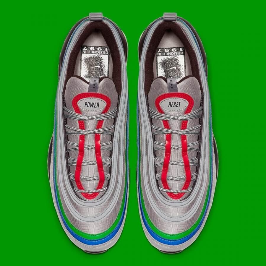 Nike y Nintendo 64 se unen para este par de sneakers