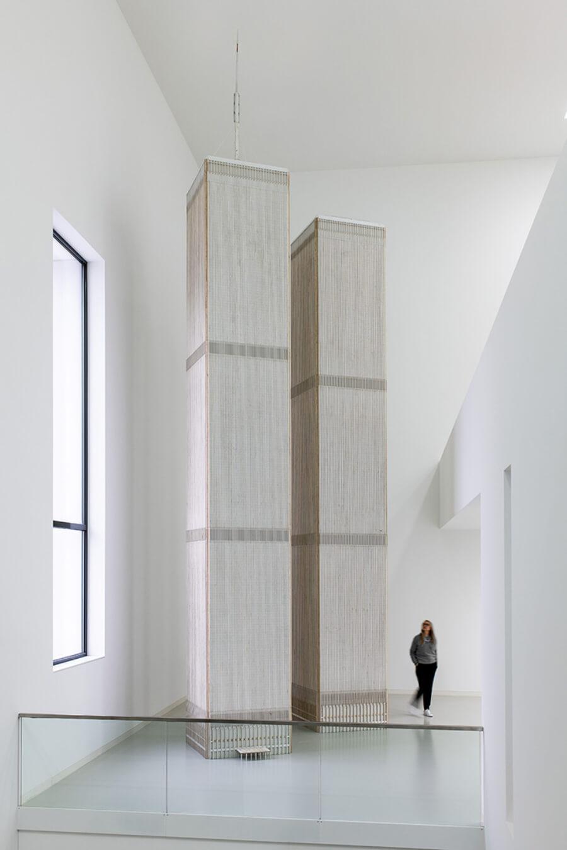 Escultura de las Torres Gemelas para la exposición Timeline  en Alemania
