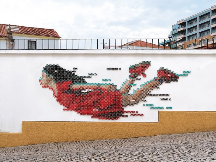 Ana Martins street art bordado