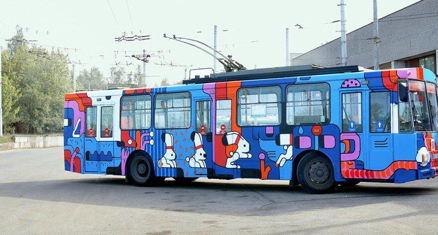 Artur Shirin interviene autobuses en Lituania