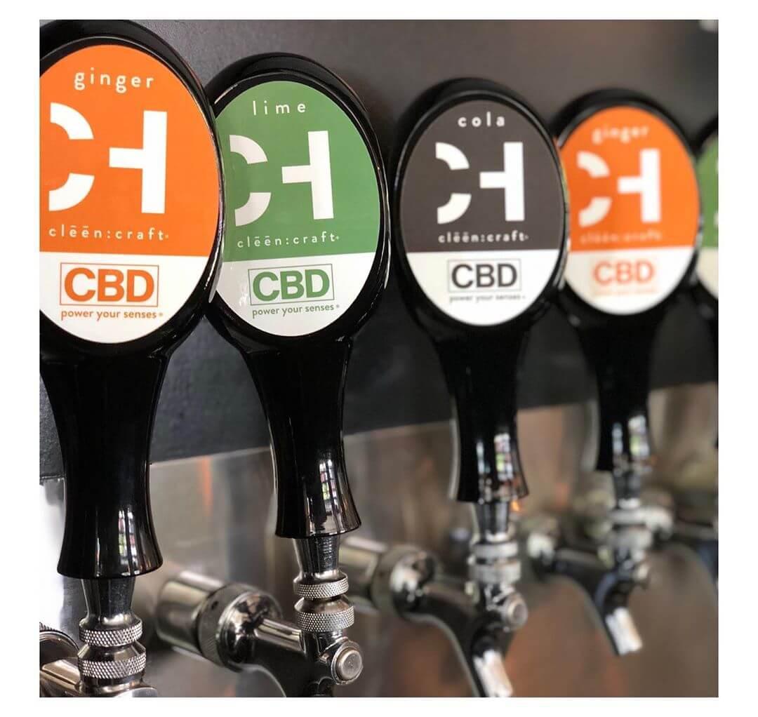 bebidas de CBD con gas, sabor lima, cola y jengibre