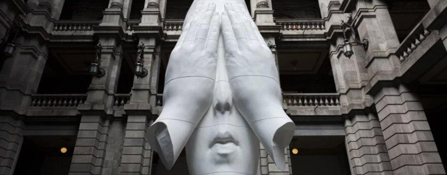 Jaume Plensa presenta enorme escultura en la CDMX