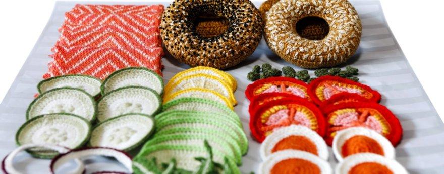 Kate Jenkins crea comida deliciosa en crochet