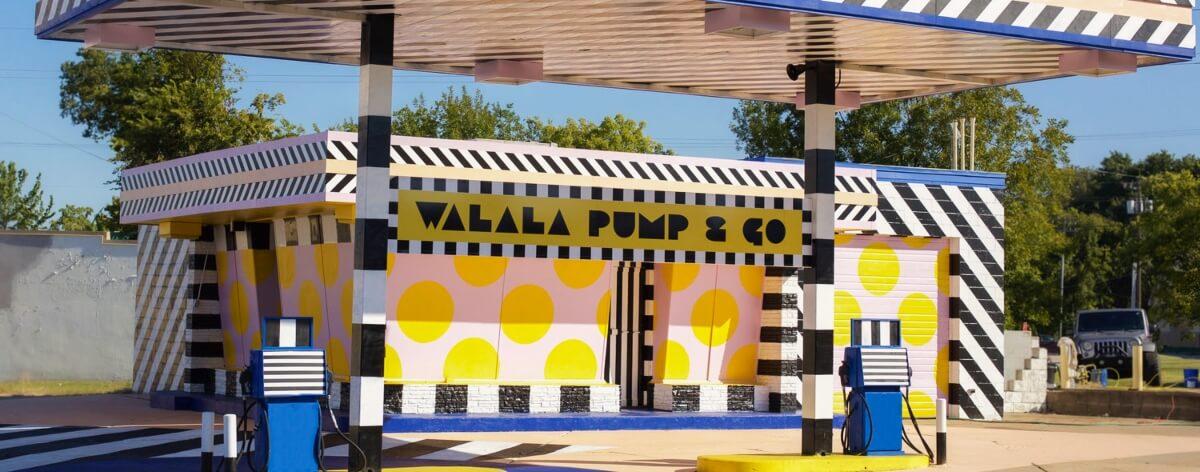 Camile Walala y Just Kids intervienen una gasolinería