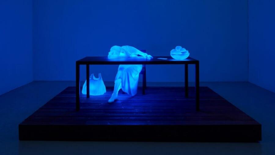 El artista vuelve a presentar sus esculturas lumínicas