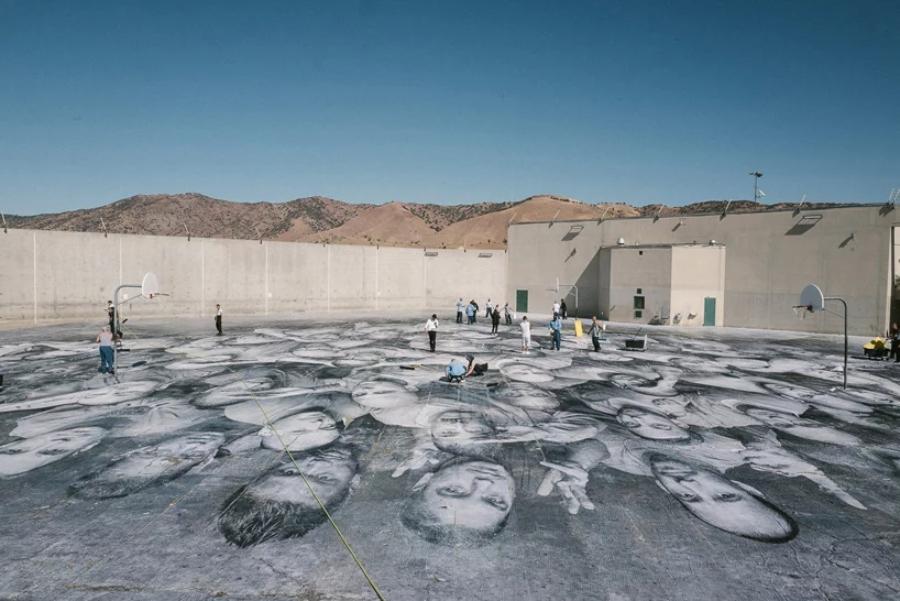 """proceso del Mural """"Tehachapi"""" en la prisión de California"""