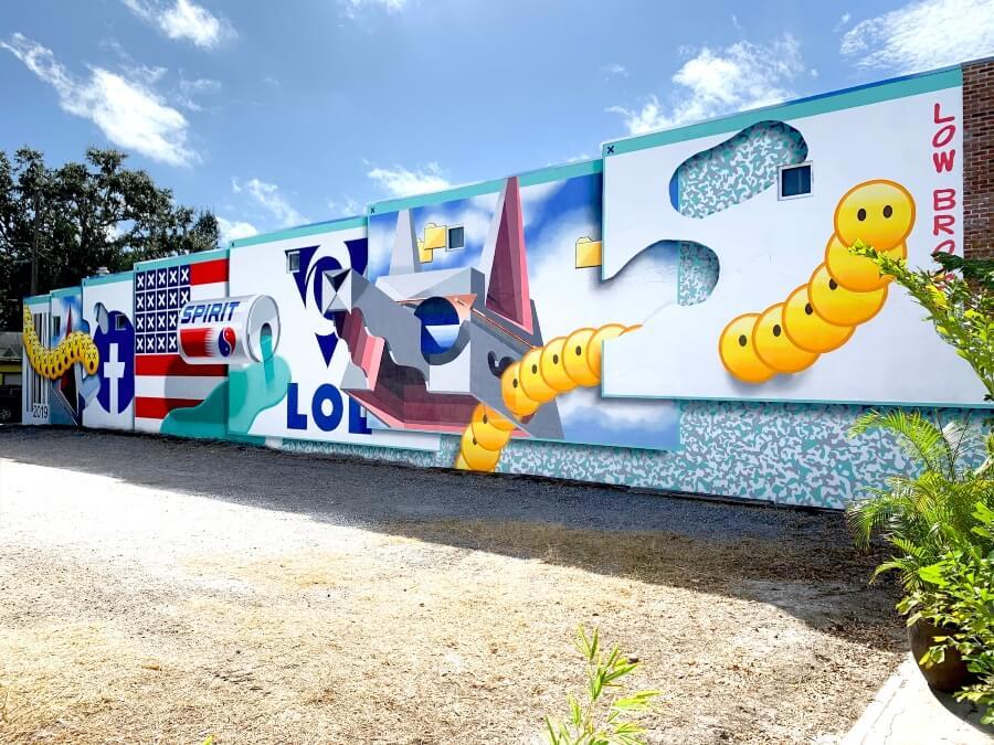 "Mural ""Post Internet Explorer"""