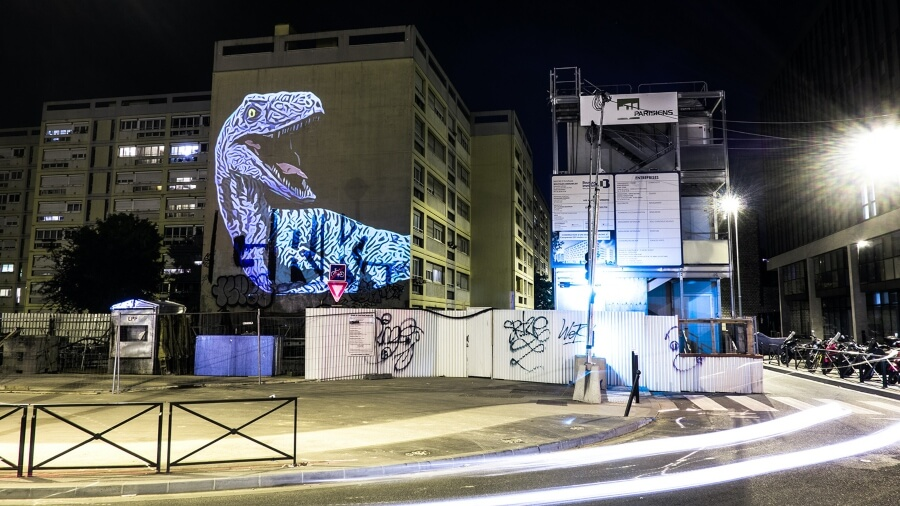 la obra de Julien Nonnon llegó hasta las calles de París