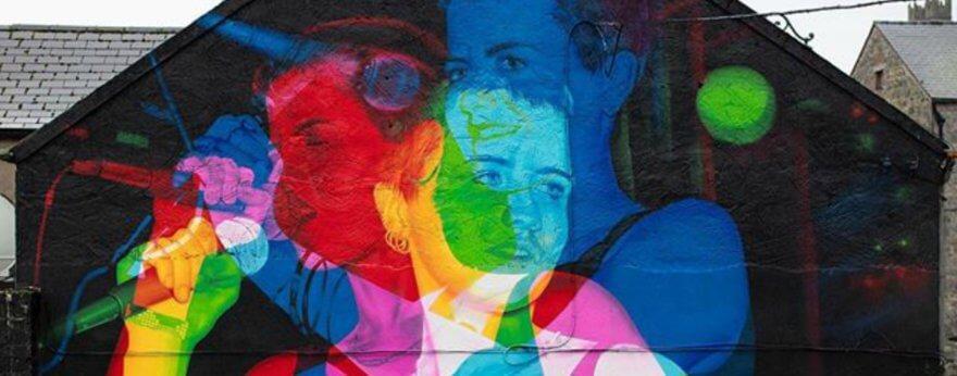 Aches retrató a Dolores O'Riordan en un mural