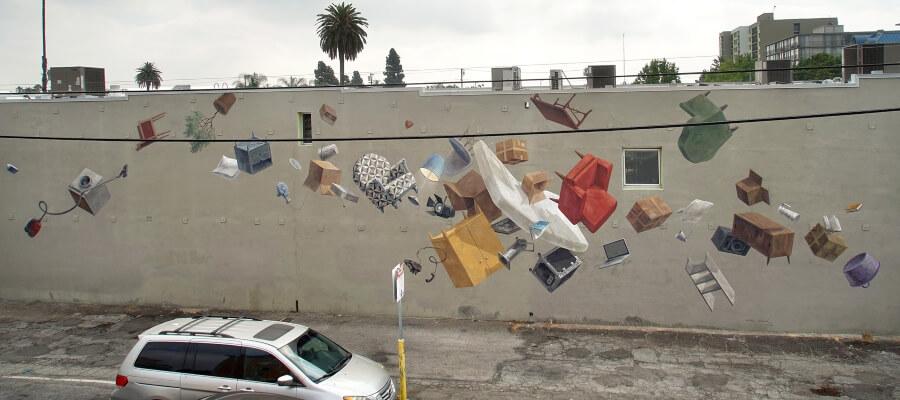Cinta Vidal street art flotante