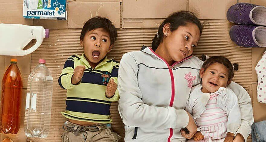 Gregg Segal retrató familias migrantes de Venezuela