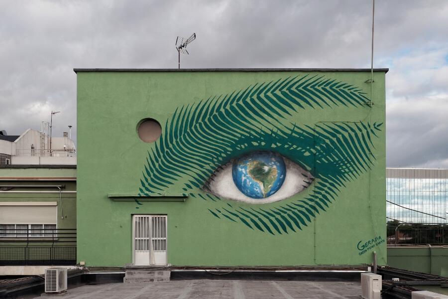 El artista presentó dos nuevos murales en España