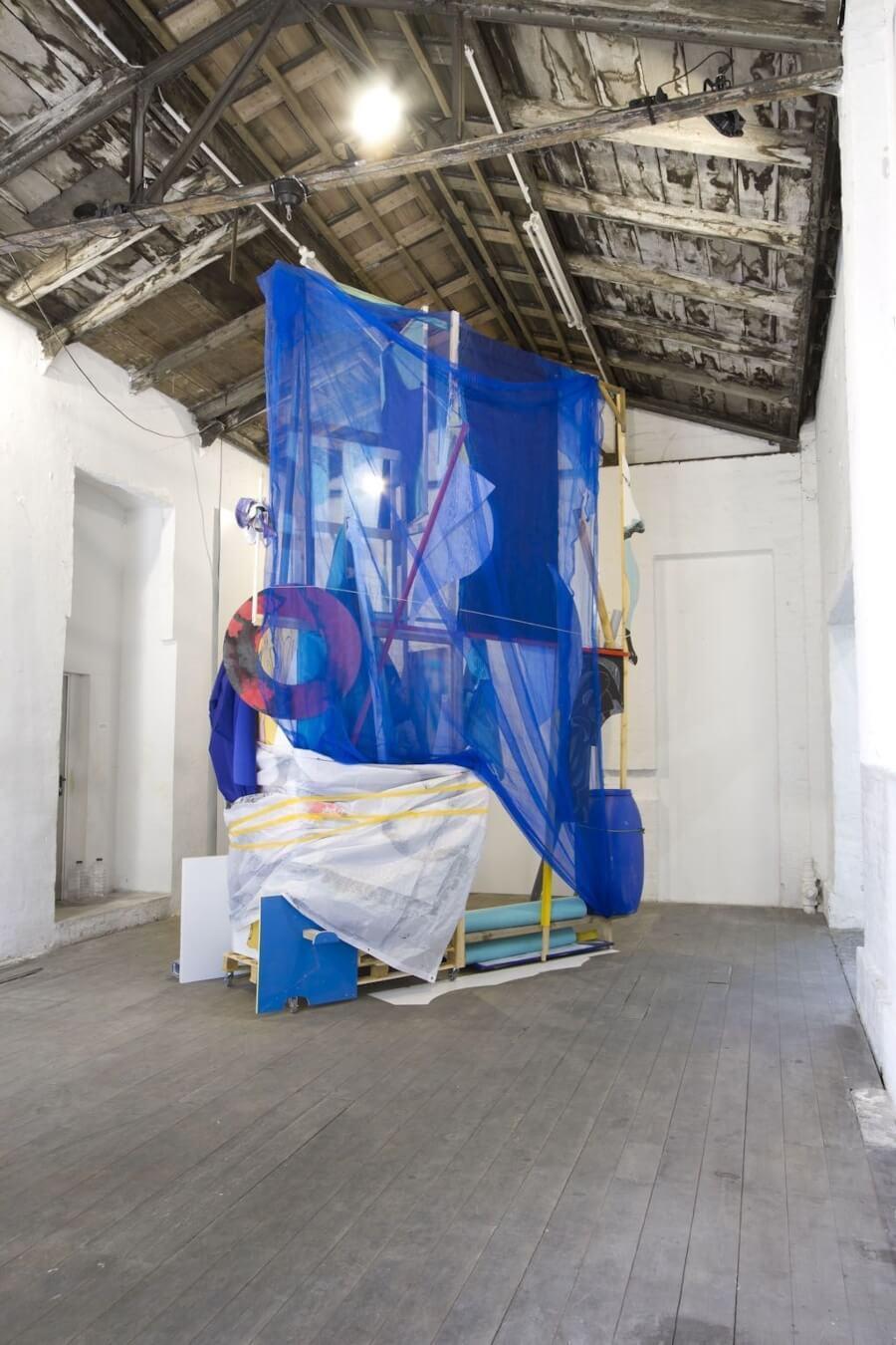Estos seis artistas crean tanto murales como instalaciones