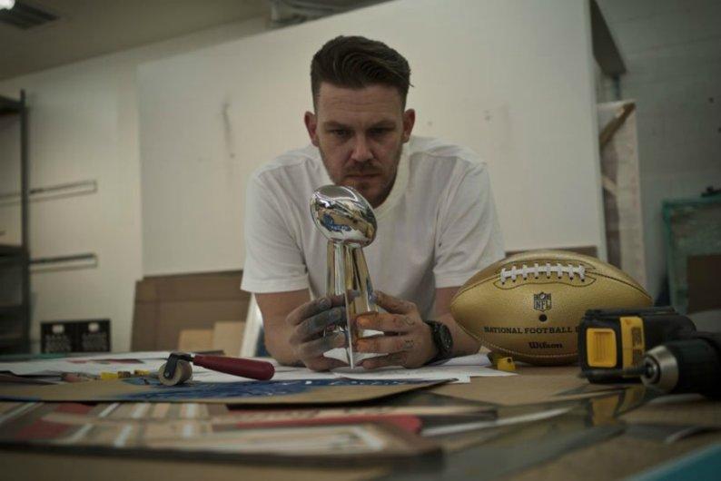 La NFL y Tristan Eaton