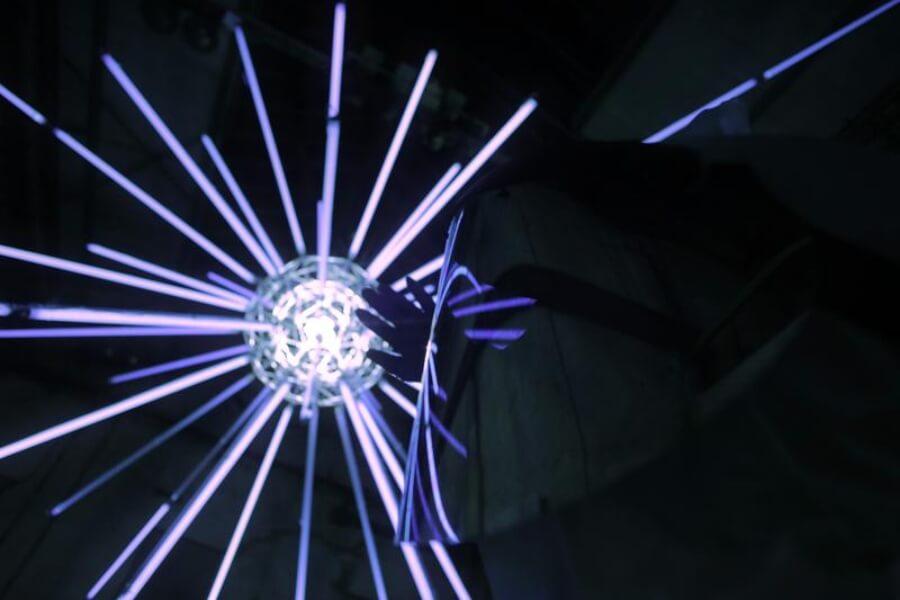 """Low Bros presentaron su instalación """"Spectrum"""" en Berlín"""