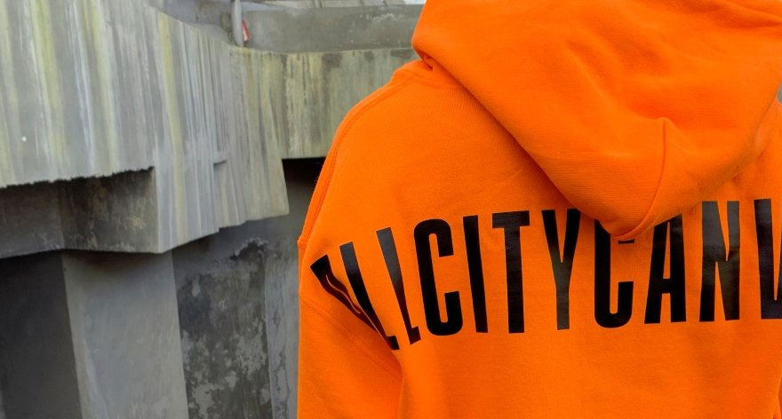 Nuevo drop MMXX Sweatshirt por All City Canvas