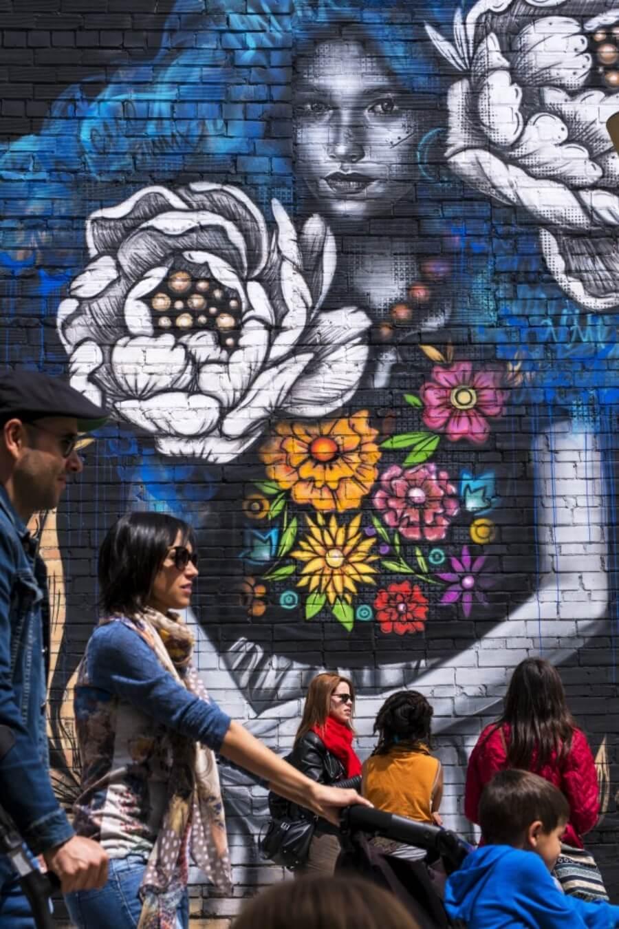 Se dice que hay más murales que habitantes en esta región