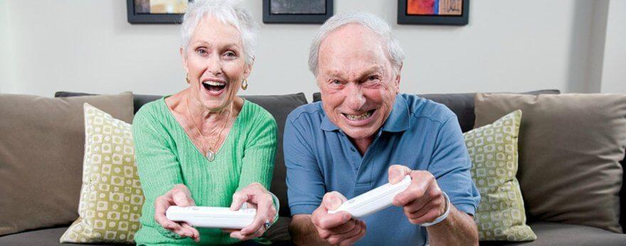 Adultos mayores juegan cada vez más videojuegos
