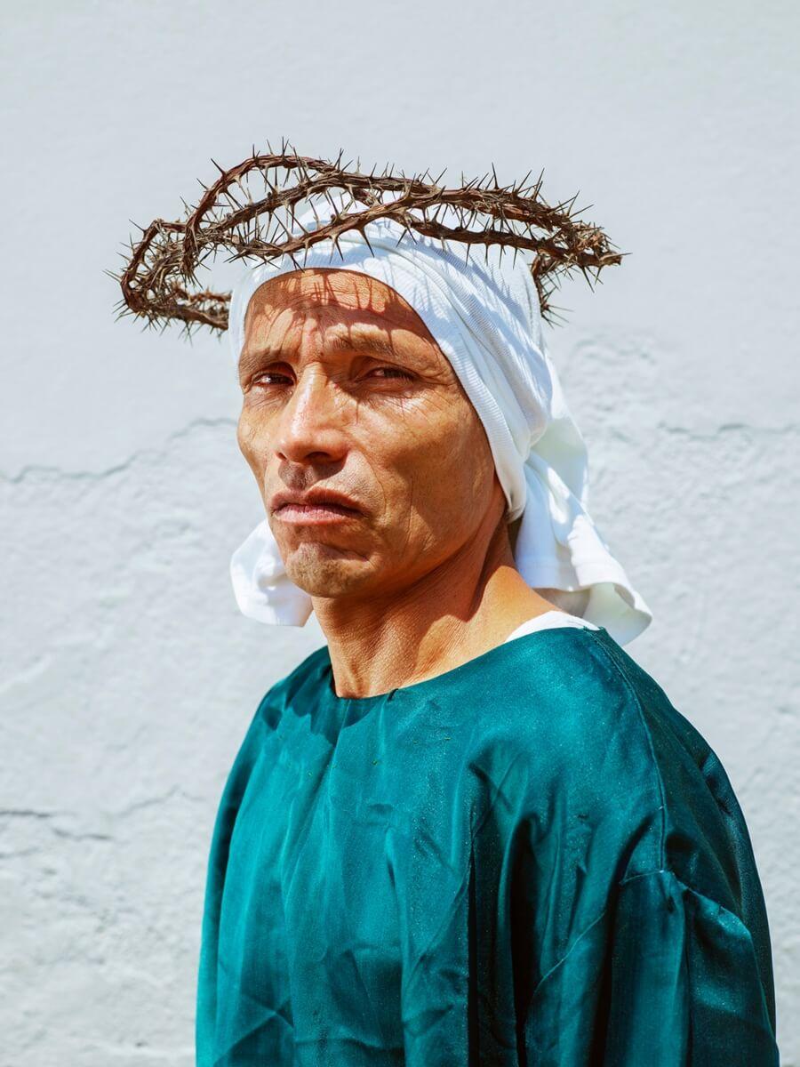 """El fotógrafo retrata a México en la serie """"La cucaracha"""""""