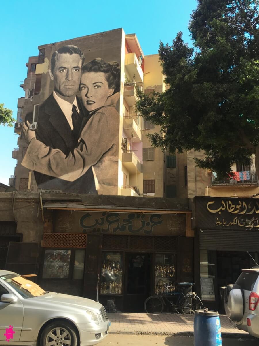 El artista italiano decora con street art las Calles de El Cairo