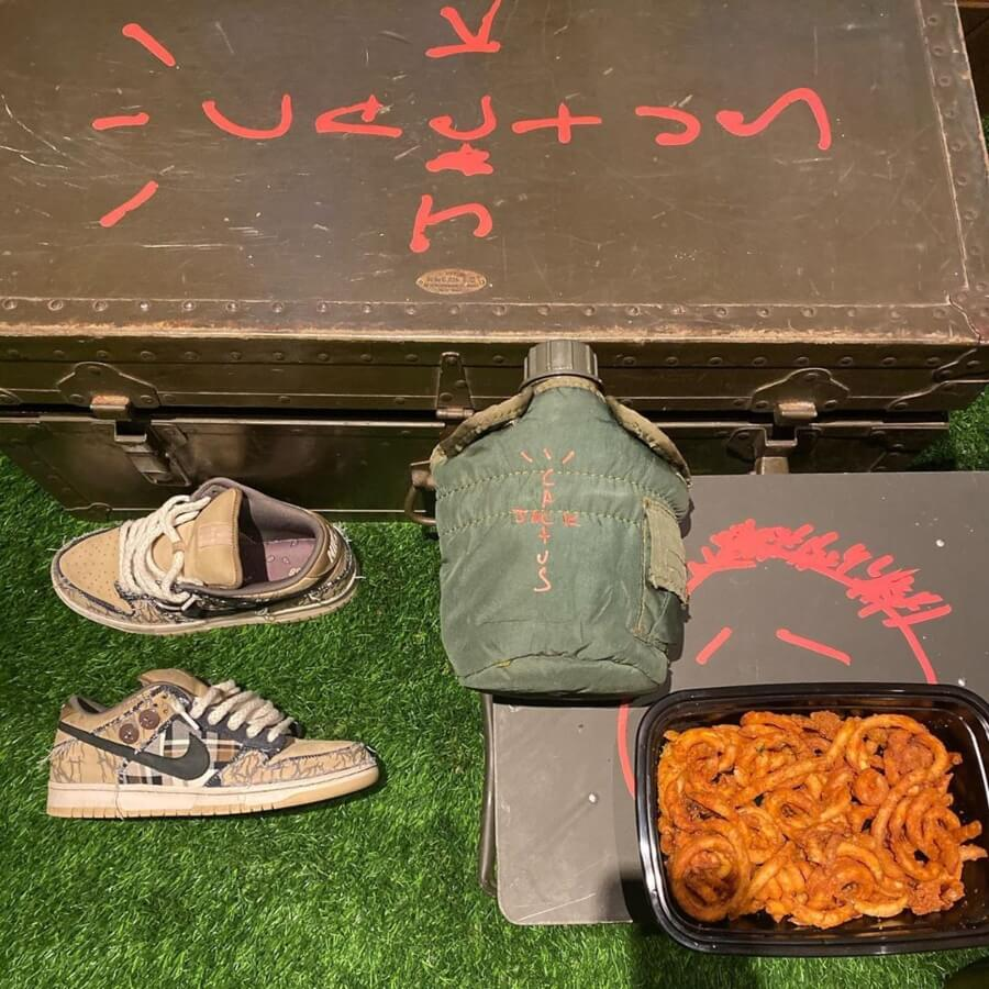 Travis Scott y Nike sneakers