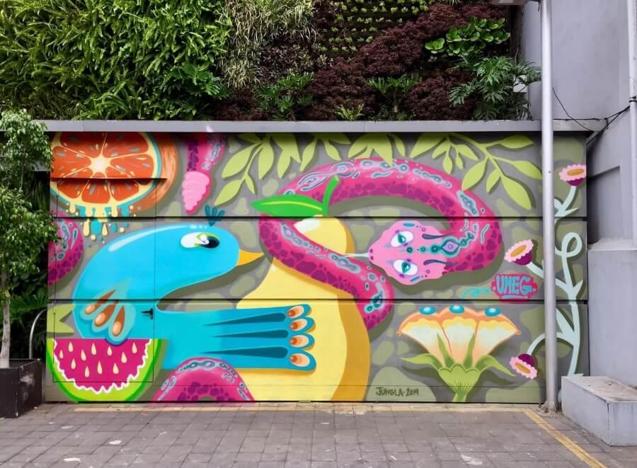 Mural hecho por Uneg en colores